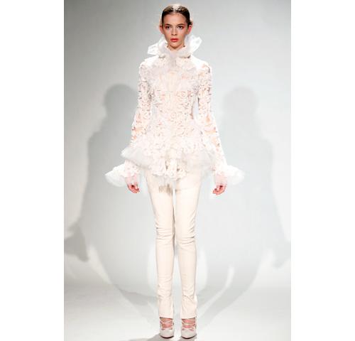 white elegance at marchesa fw 11
