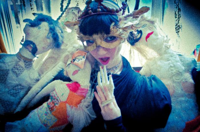 misha janette meets tomihiro kono-the dolls