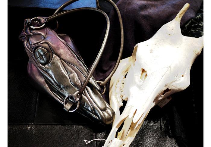 masaya kushino horse skull bag