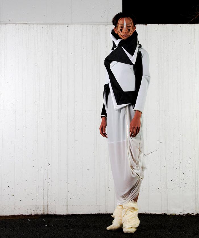balmung black white coat 2011