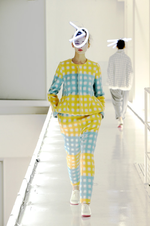 mintdesigns fw 2011 show in tokyo colorful