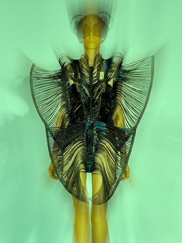 iris van herpen couture berlin