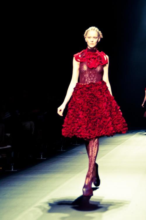 red rose skirt