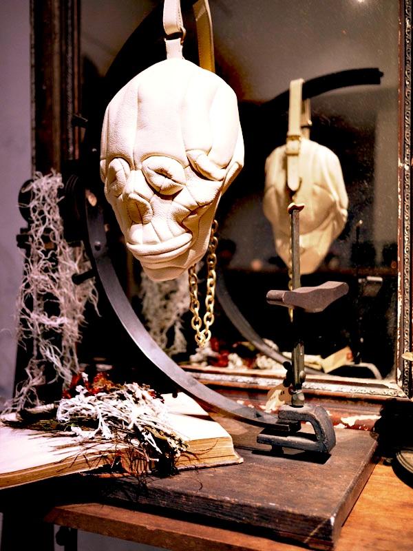 skull bag white