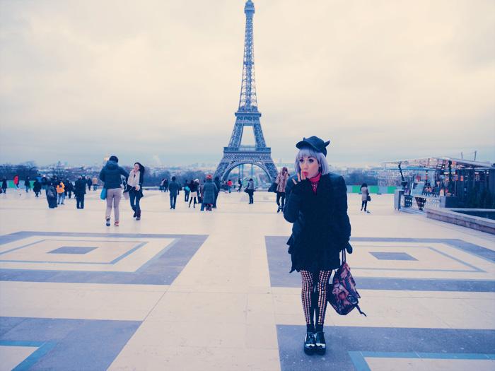 misha and eiffel tower