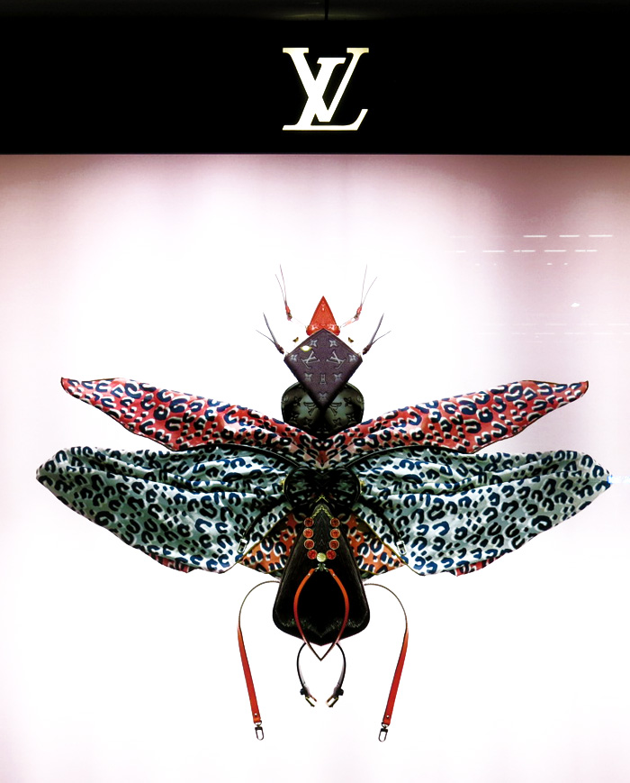louis-vuitton-insect-windows-tokyo-2013-13