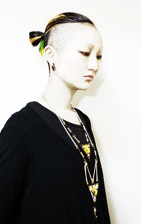 black-triangle-design-asami-maiko