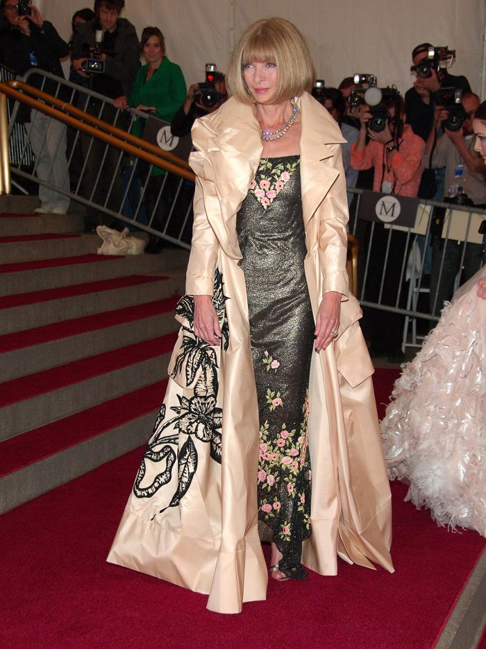 Anna-Wintour-Met-Gala-Looks-2006