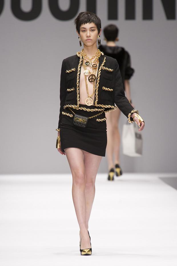 moschino-autumn-fall-winter-2014-13