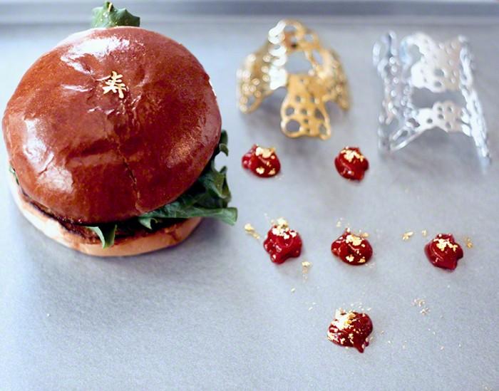 facetasm-Misha-6-Burger-©-Celia-Humphries