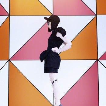 A NOIR city life in amazing technicolor ◎ 「美しく彩るノアー」な人生を送る女性。