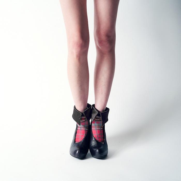 2c13a0364a6 Eri Maki Shirt Socks AW 襟巻きソックスの膝丈と新柄登場!