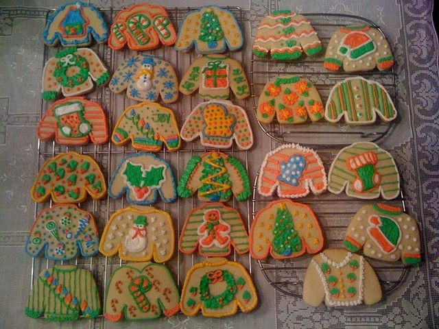 ugly-christmas-sweater-party-cookies-1