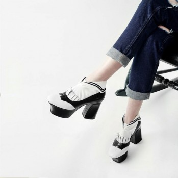 Sailor collar shirt socks from Erimaki Sox セーラーカラーのシャツ型靴下が登場!