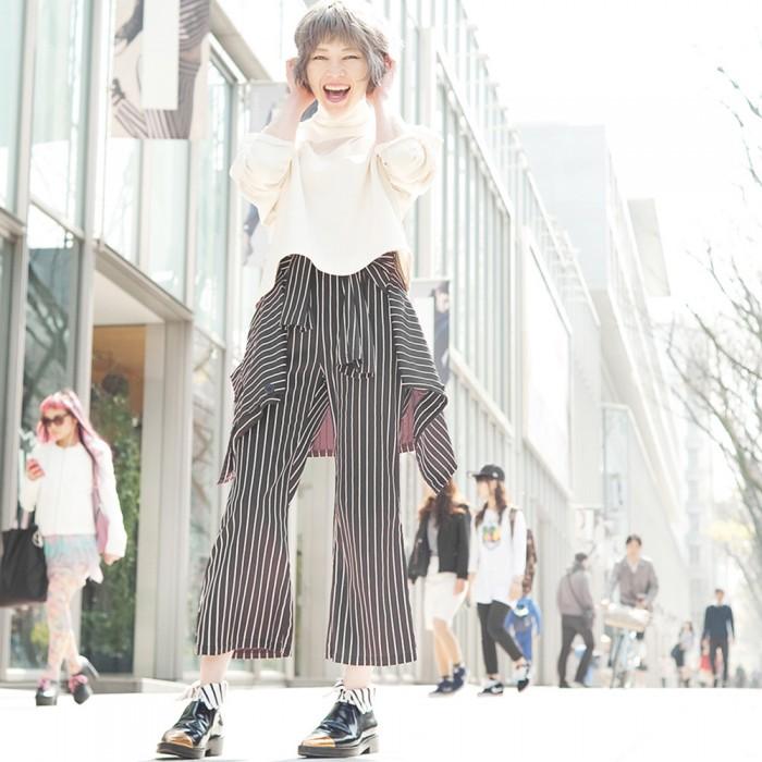 model in striped short Shirt collar socks by Erimaki Sox