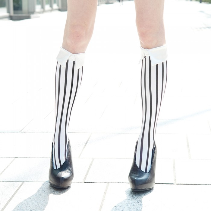 white kneehigh striped socks by Erimaki Sox