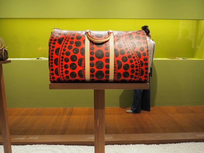 yasyoi kusama bag at the louis vuitton volez voguez voyagez Tokyo exhibit