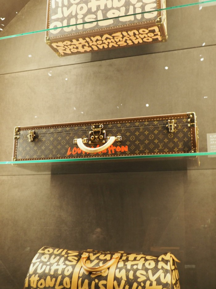 stephen sprouse trunks at the louis vuitton volez voguez voyagez Tokyo exhibit