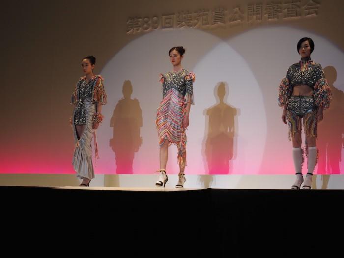 models wear Akane Maekawa in the Soen Awards 2015 前川朱音の作品、装苑賞2015