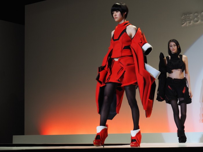 models wear Marin Hirata in the Soen Awards 2015 平戸麻鈴の作品、装苑賞2015