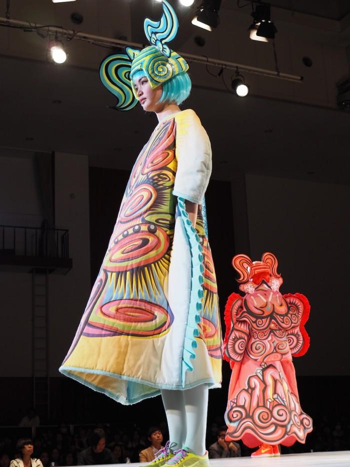 Model wears 高謝暁楠 at 装苑賞2015年