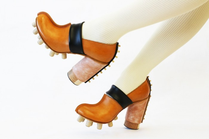 wataru sato shoes in wood and pegs