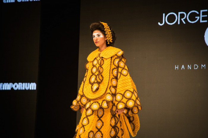 yellow kimono in Jorge Salinas fashion show