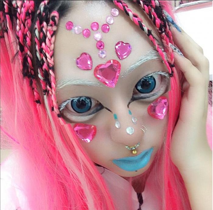 Shoshipoyo Neo street style fashion makeup