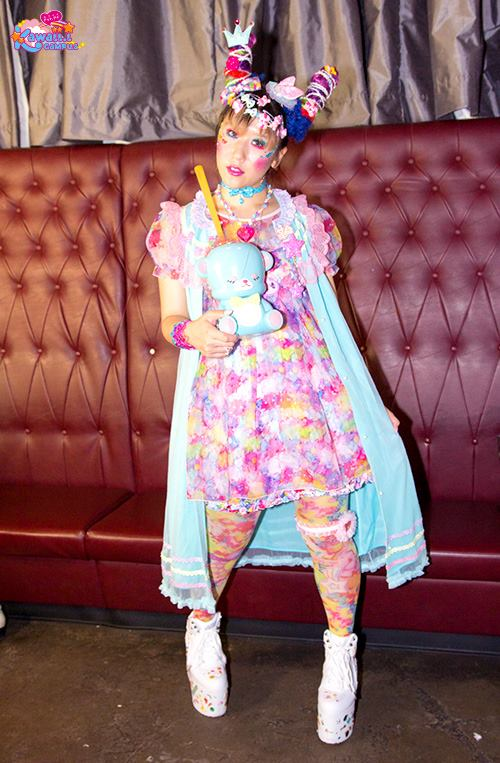 model in tokyo-above-underground-fashion dokidoki