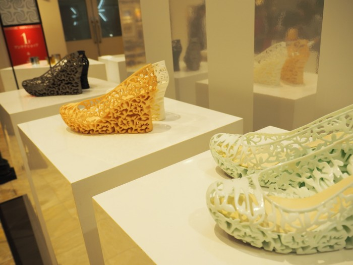 3D printed lace shoes at Daimaru by Mudsnail